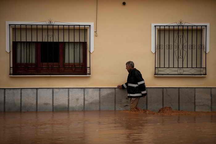 Наводнение на юге Испании: около 8000 человек покинули свои дома, есть жертвы