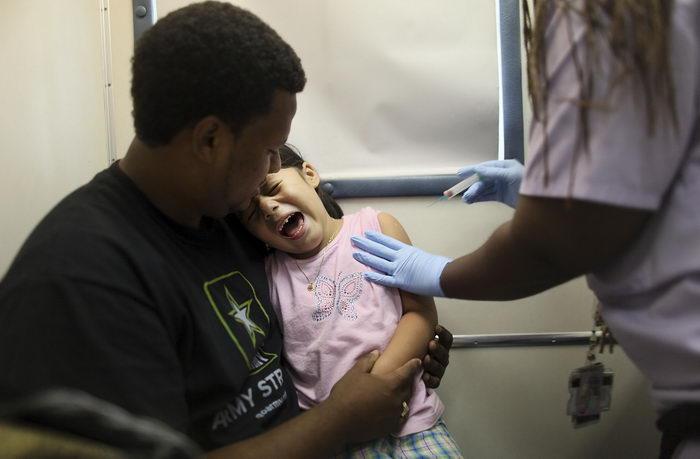163 US jab 171012 - В США  от менингита умерли 15 человек