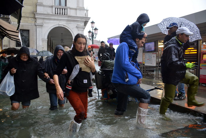 Проливные дожди привели к наводнению в Тоскане и Лигурии