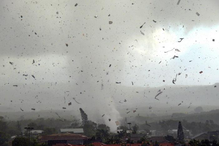 163 tornado - Торнадо убил знаменитого «охотника за ураганами»