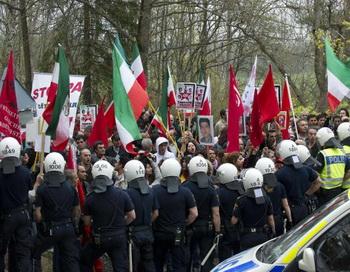 В Стокгольме демонстранты попытались ворваться в посольство Ирана