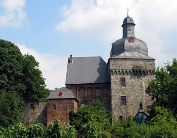 173 liedberg zamok - Реставраторы немецкого замка нашли старинную обувь