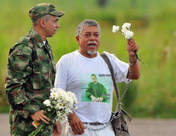 173 serjant - Колумбийские повстанцы через 12 лет освободили пленного сержанта