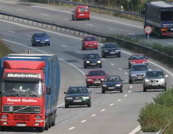 197 Germania - В Германии грузовик проехал без водителя десять километров