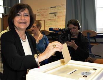 Во Франции проходит первый тур парламентских выборов