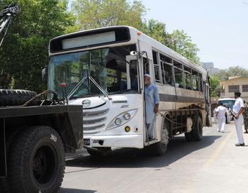 200 110612Pakistan - В Пакистане был взорван автобус с 60 пассажирами