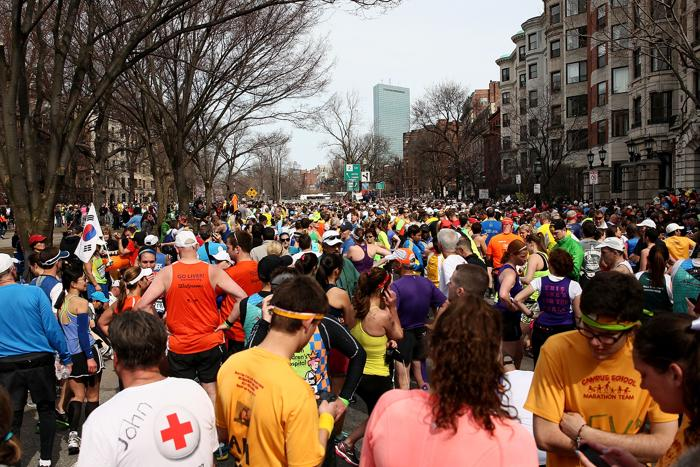 200 160413Terakt 04 - Теракт в Бостоне унёс жизни трёх человек, более 140 ранены
