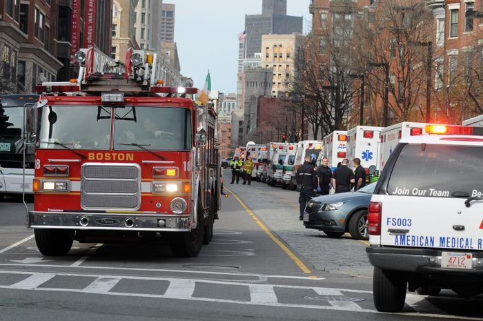 200 160413Terakt 10 - Теракт в Бостоне унёс жизни трёх человек, более 140 ранены