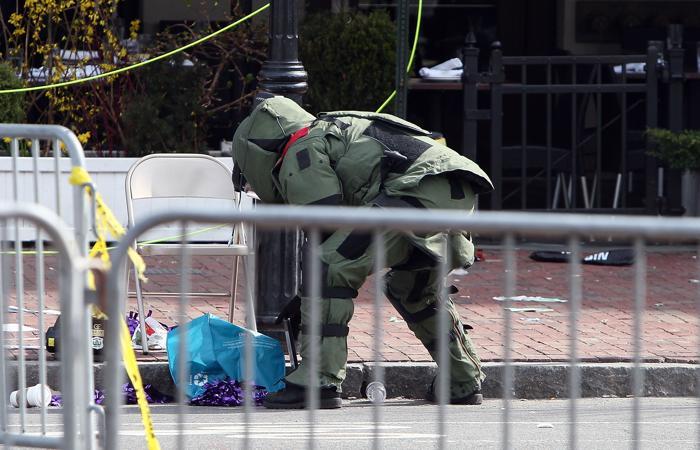 200 160413Terakt 11 - Теракт в Бостоне унёс жизни трёх человек, более 140 ранены