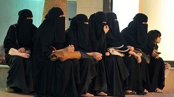 Права женщин: король Саудовской Аравии отменил порку за вождение автомобиля