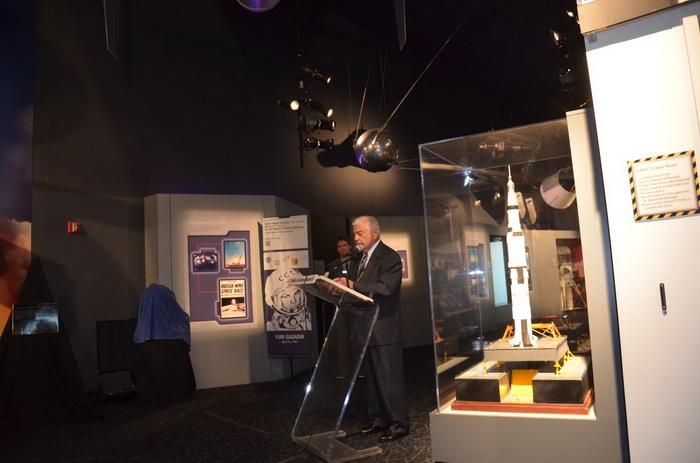 Памятник первому в мире космонавту