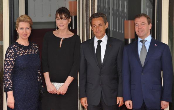 В Довиле Светлана Медведева на приеме у  Карлы Бруни говорила о проблеме неграмотности
