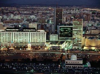 190 04 saudi - В Саудовской Аравии будет построена Королевская башня высотой в километр
