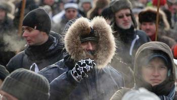 Демонстрации в Москве: противники и сторонники Путина не боятся мороза