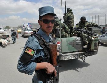 Центральная часть Афганистана переходит под контроль афганских сил