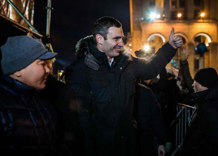 Активисты Евромайдана пикетируют центральные телеканалы