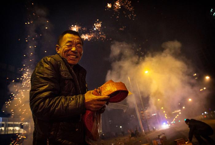 Монстры, пельмени и фейерверки: китайские новогодние легенды
