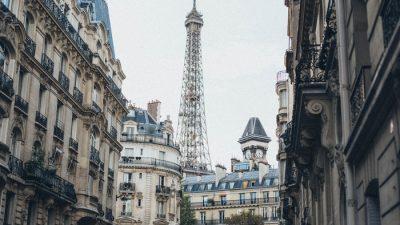 Барочная роскошь Версаля и дань Ле Корбюзье в новой коллекции Chanel