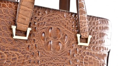 Крокодиловая сумка Hermes продана на аукционе за 185 тысяч долларов