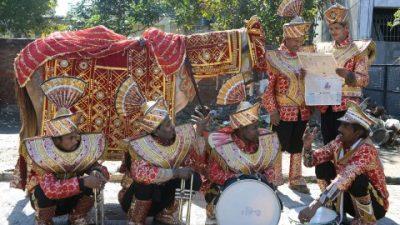 Как индийцы превратили британские военные оркестры в свадебные
