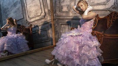 В чём блистать на празднике: вечерние платья Tarik Ediz