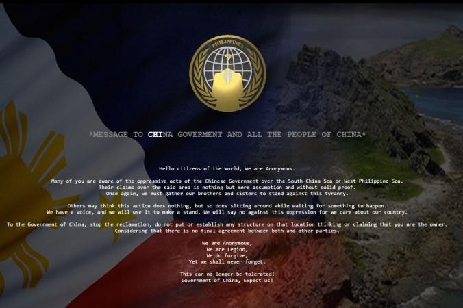 Повреждённый китайский сайт показывает сообщение от хакеров из Anonymous, которые недовольны произвольным захватом территории китайским режимом в Южно-Китайском море. Anonymous в настоящее время начали операцию против китайских властей. Фото: Anonymous   Epoch Times Россия