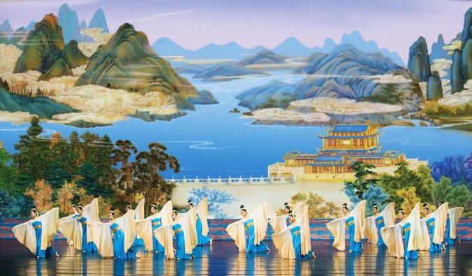 Номер «Развивающиеся рукава» из программы Shen Yun 2009 года. Фото: Shen Yun Performing Art | Epoch Times Россия