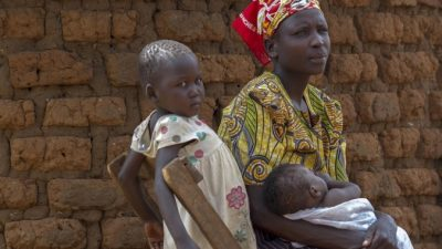 Правозащитники рассказали о большом числе малолетних жён из Африки