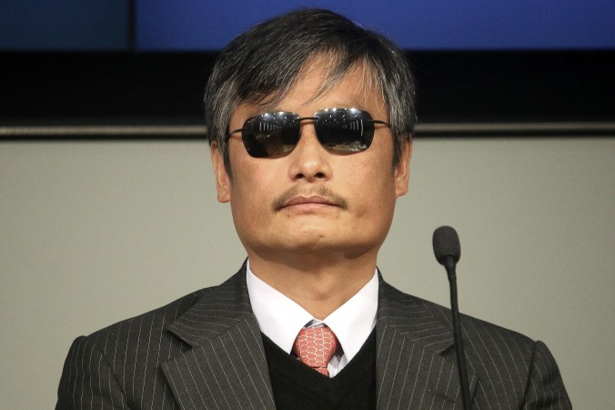 Чэнь Гуанчэн ― слепой правозащитник, который известен разоблачением насильственных абортов и стерилизаций китайскими органами по планированию семьи. Фото: Gary Feuerberg/ Epoch Times | Epoch Times Россия