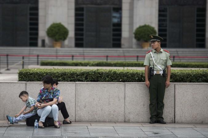 Политика двоих детей в Китае: насильственный контроль населения продолжается