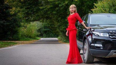 Коллекция Ульяны Сергиенко стала «русской сенсацией» на Неделе высокой моды в Париже (видео)