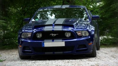 Чем привлекают покупателей автомобили «Форд»?