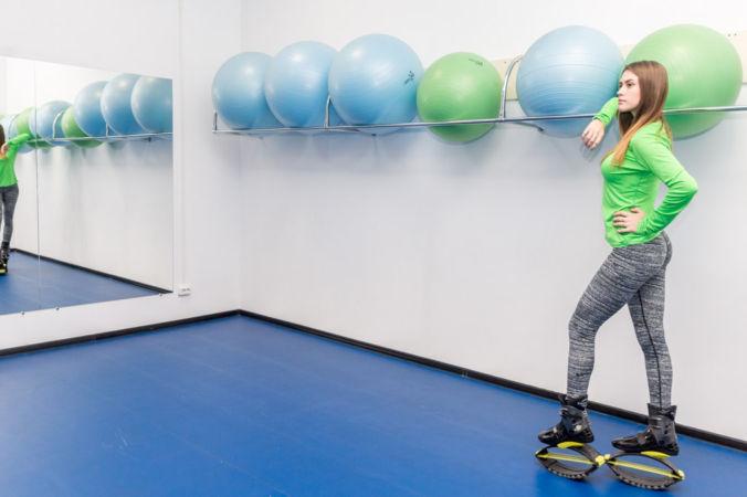 Тренировки Kangoo Jumps: 5 упражнений для новичков