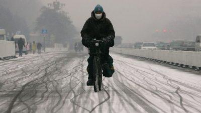 Китайский велосипедист месяц ехал к семье на Новый год в неверном направлении