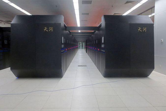 Китайский суперкомпьютер Tianhe-2. Фото: O01326/commons.wikimedia.org/CC BY-SA 4.0 | Epoch Times Россия