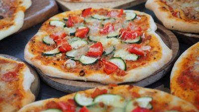 Доставка продуктов и готовой еды давно получили распространение во всём мире.