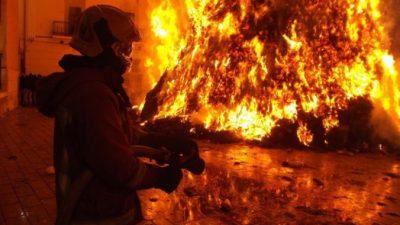 Пожарные и пожарники