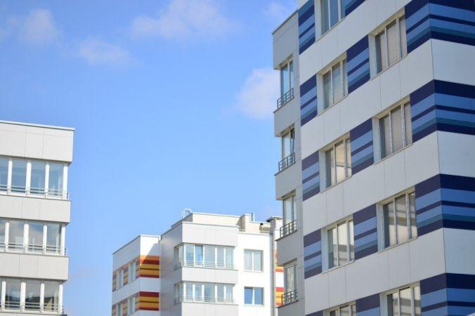 Остекление балкона — какой вариант выбрать?