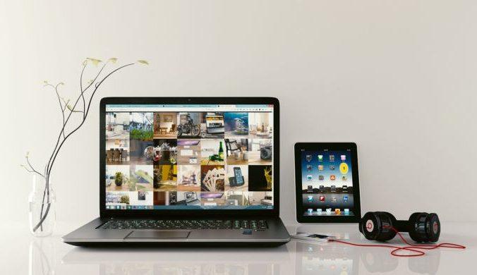 laptop 1483974 1280 e1499423910380 676x390 1 - Планшеты ASUS. Обзор популярных моделей