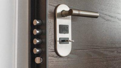 Что делать, если захлопнулась дверь
