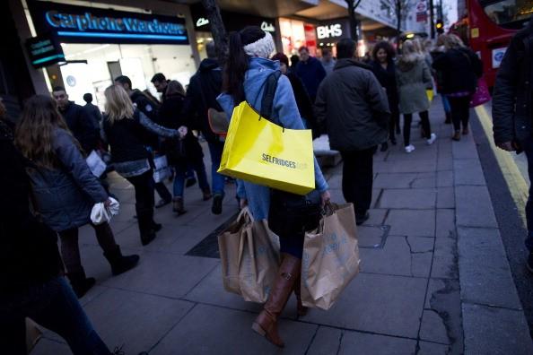улица женщина с покупками