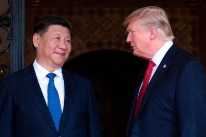 Глава КНР Си Цзиньпин и президент США Дональд Трамп. Фото: JIM WATSON/AFP/Getty Images | Epoch Times Россия