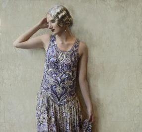 На создание этого сиреневого платья в стиле «Великий Гэтсби» ушло шесть месяцев, и четыре мастера сшили его полностью вручную. (Предоставлено Наташей фон Розеншильде, дизайн)   Epoch Times Россия