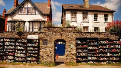 Хей-он-Уай ― всемирно известный город книг
