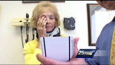 Слепая женщина упала и повредила шею. После операции к ней вернулось зрение