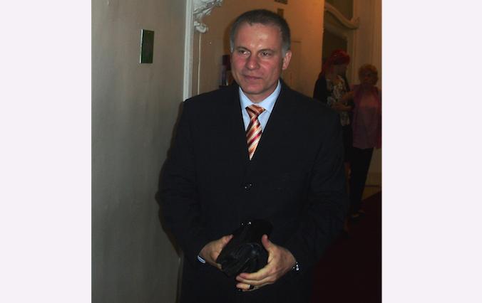 Член парламента Чехии Людвик Ховорка посетил концерт Shen Yun Performing Arts в оперном театре Праги 3 мая 2014 г. Фото: Peter Sanftmann/Epoch Times   Epoch Times Россия