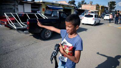 Бездомный мальчик совершил бескорыстный поступок и обрёл семью