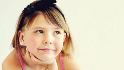 Отец прочитал СМС в телефоне 9-летней дочери и расплакался