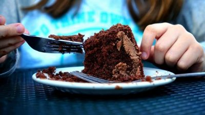 3,5 тонны непроданных булочек и тортов будет раздавать нуждающимся сеть кондитерских Новосибирска ежемесячно