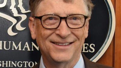 Один из самых богатых людей мира скромно отстоял очередь за гамбургером в закусочной